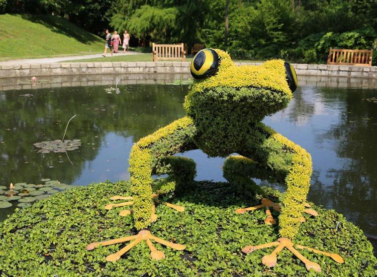16 garden sculpture