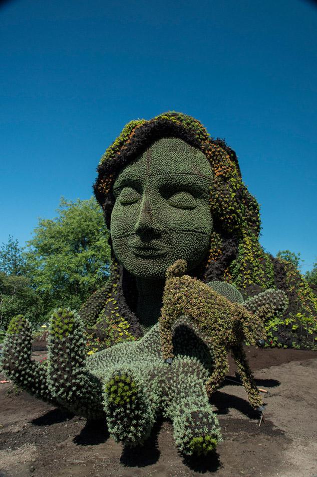 2 garden sculpture