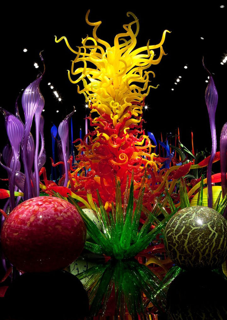 flower design architecture installation chihuly