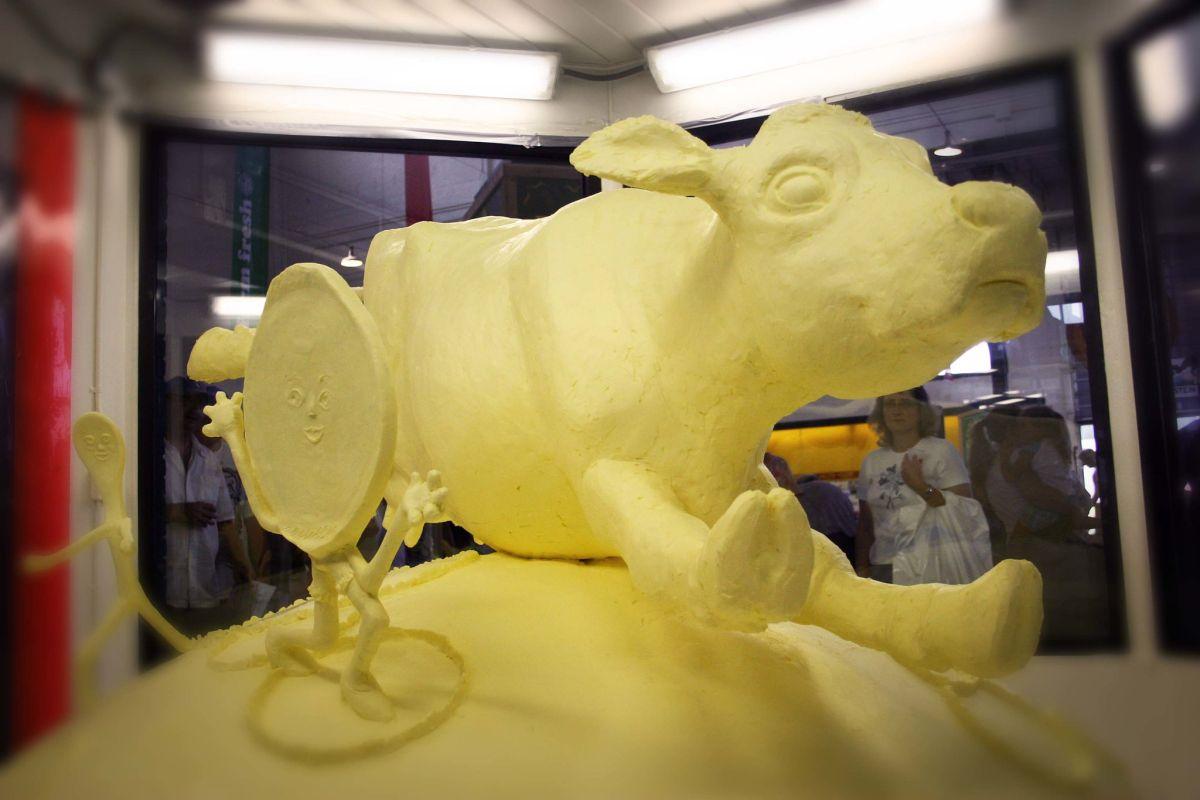 butter sculpture cow chromatophobe
