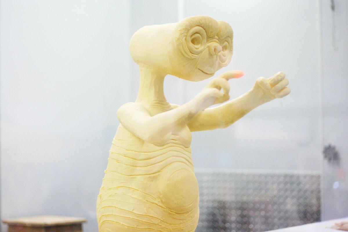 butter sculpture alien