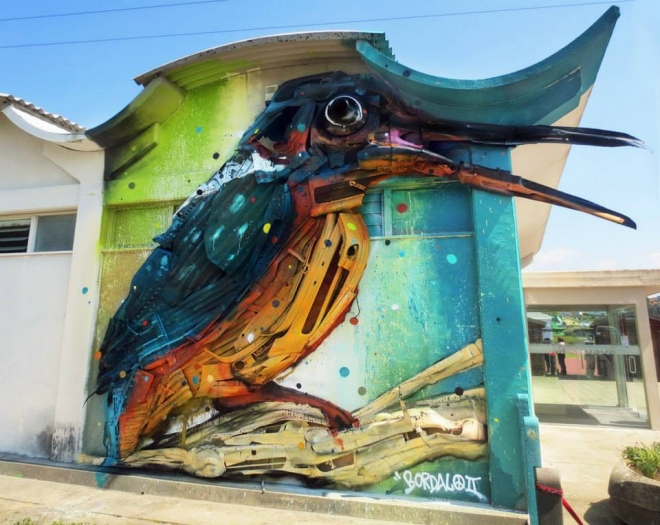 bird street art by bordalo