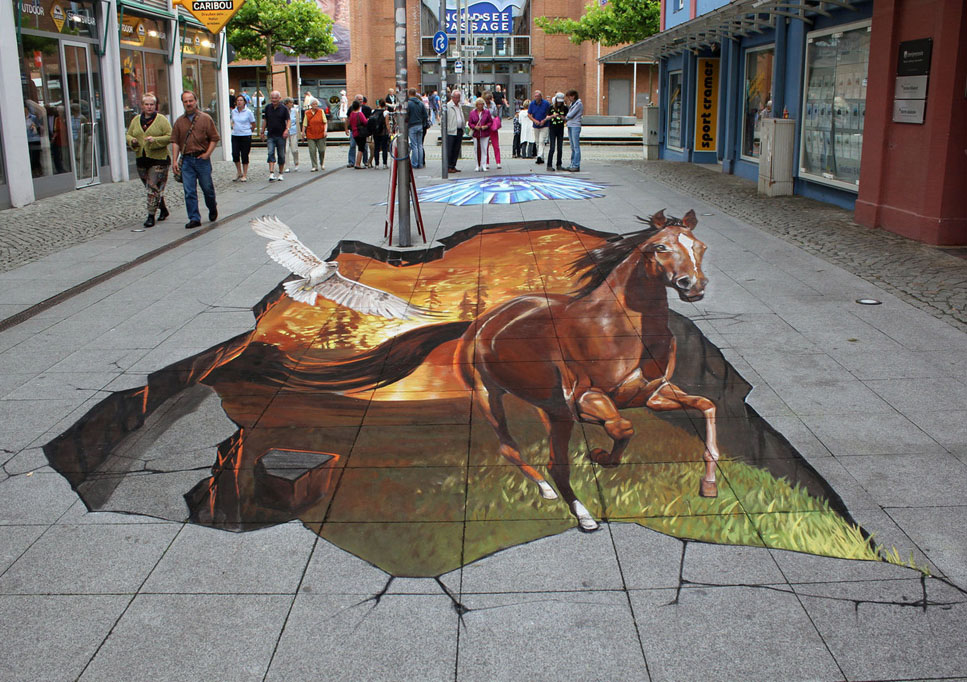 horse street art by nikolaj