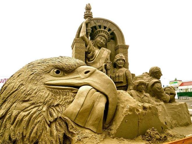 eagle sand sculptures -  10