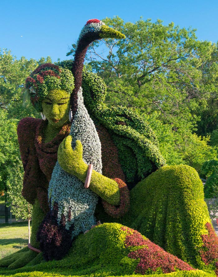 lady crane garden sculptures