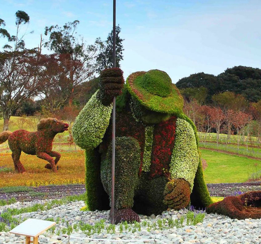 man garden sculptures -  15