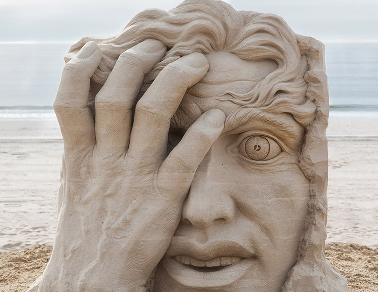 hand sand sculptures -  16