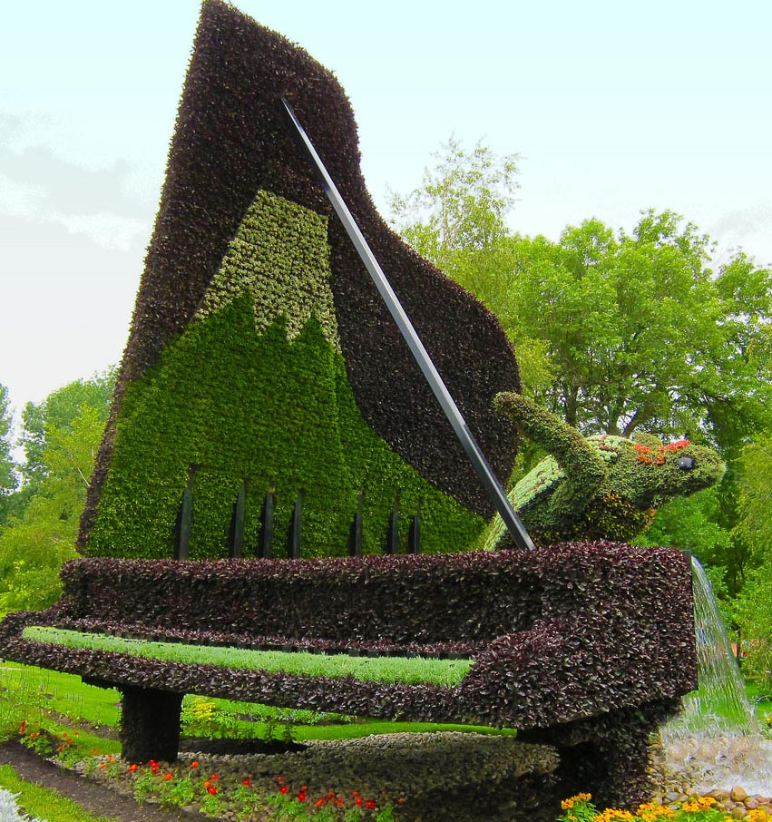 piano garden sculptures