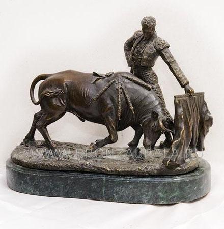 bull bronze sculptures