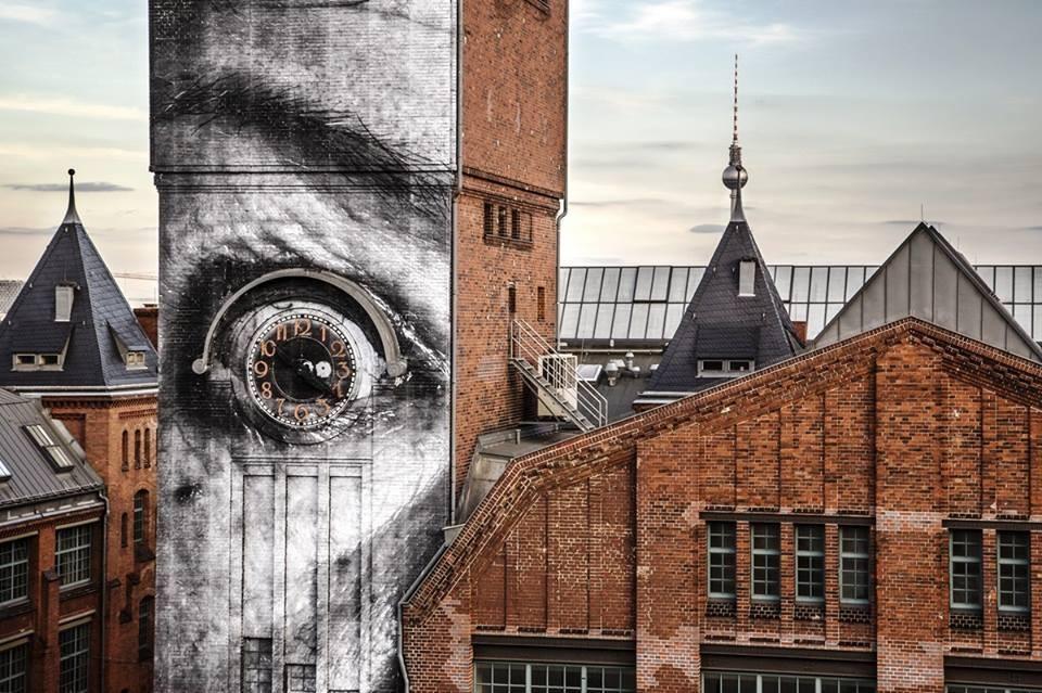 eye clock creative street art work