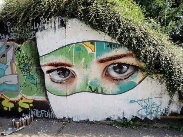 6 woman creative street art work