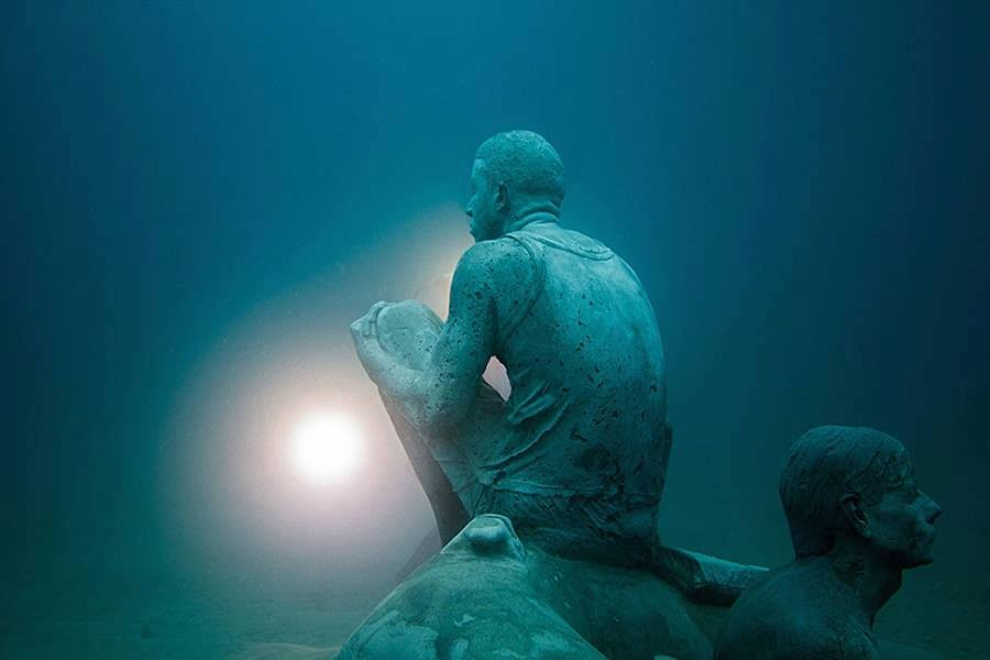 men underwater sculptures by taylor