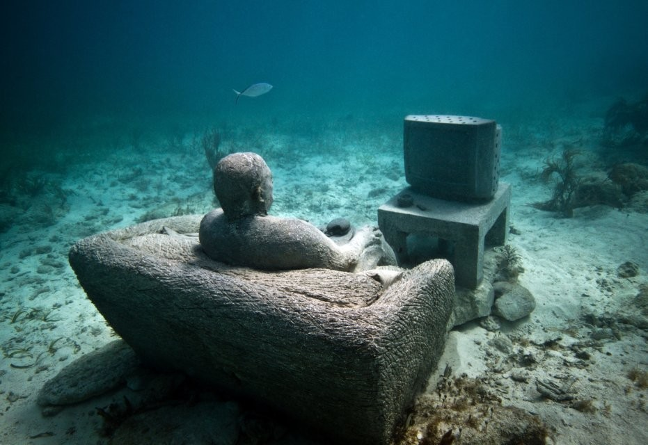 man underwater sculptures by taylor