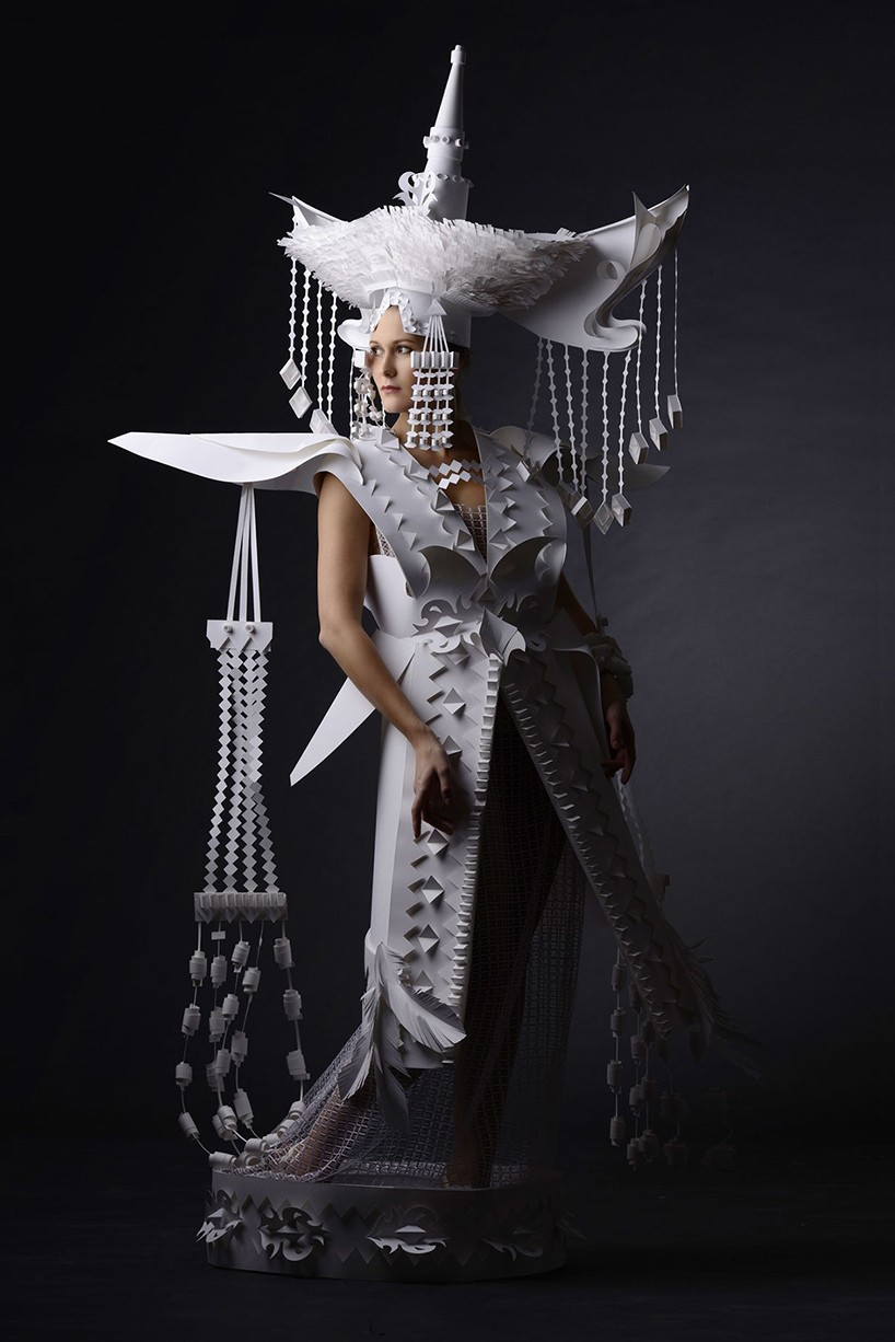 14woman-paper-sculptures-by-asya-kozina