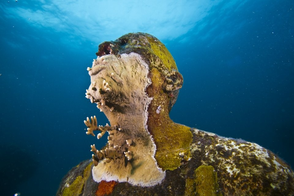man fire underwater sculptures by taylor