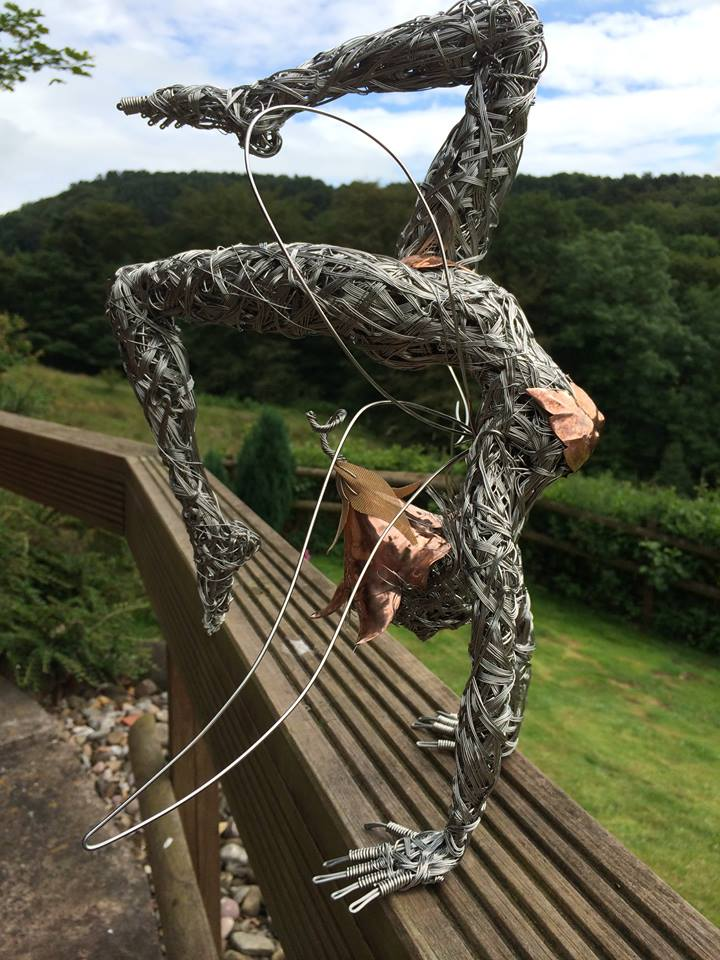 wire sculpture diving by derek kinzett