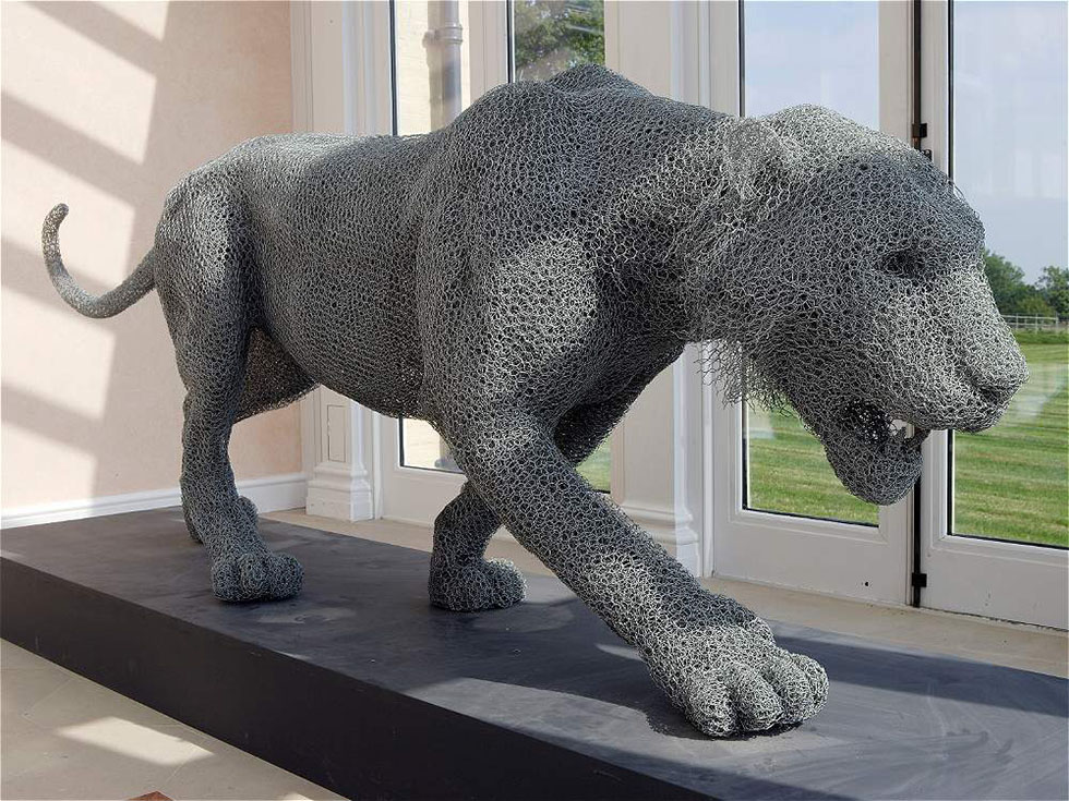 wire sculpture tiger by kendra haste