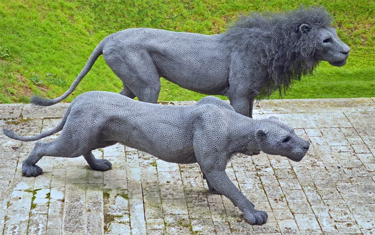 15 wire sculpture lions by kendra haste