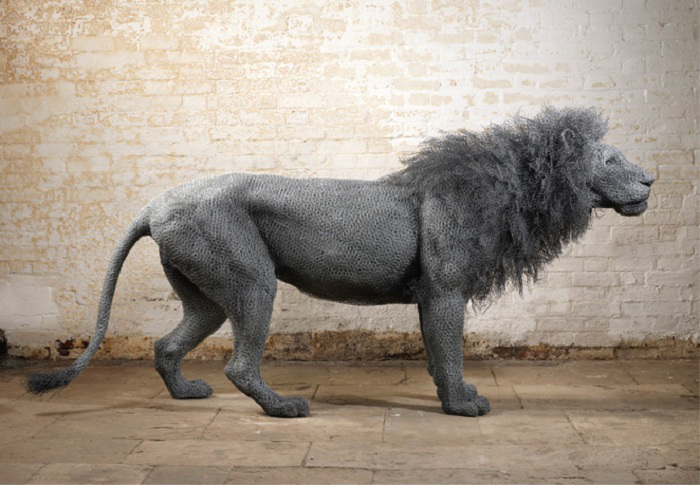 wire sculpture lion by kendra haste