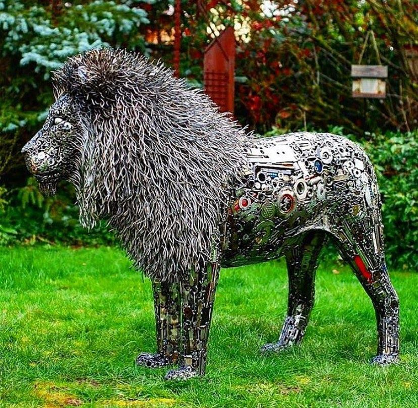 scrap sculpture lion by brian mock