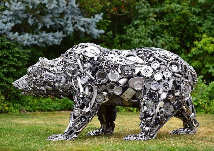 scrap sculpture bear by brian mock