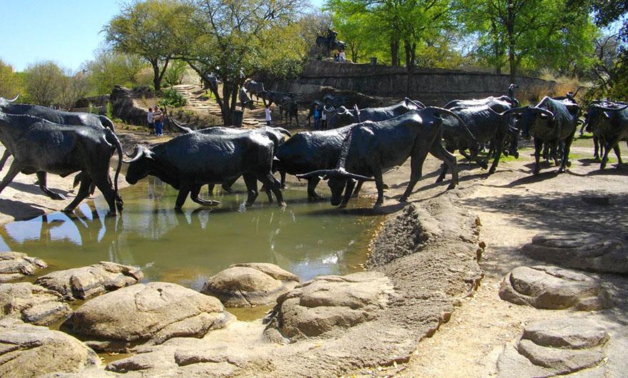 creative sculptures buffalo