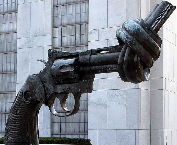 creative sculptures gun