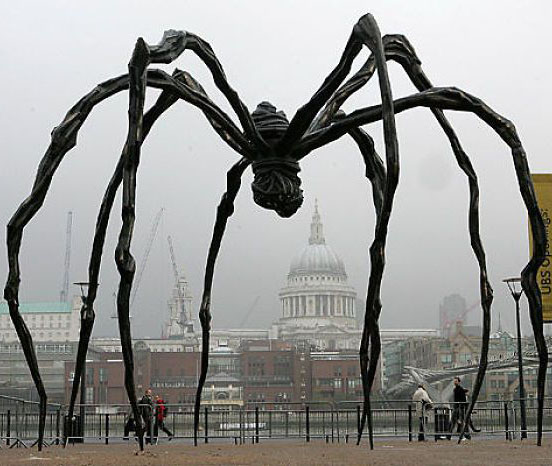creative sculpture spider