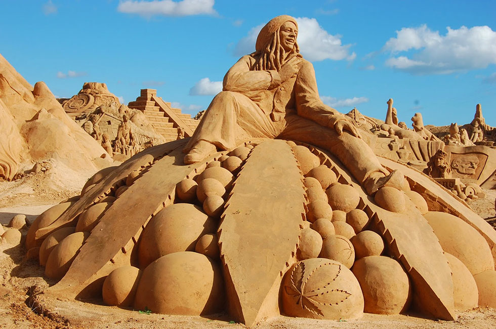 14 fiesa sand sculptures