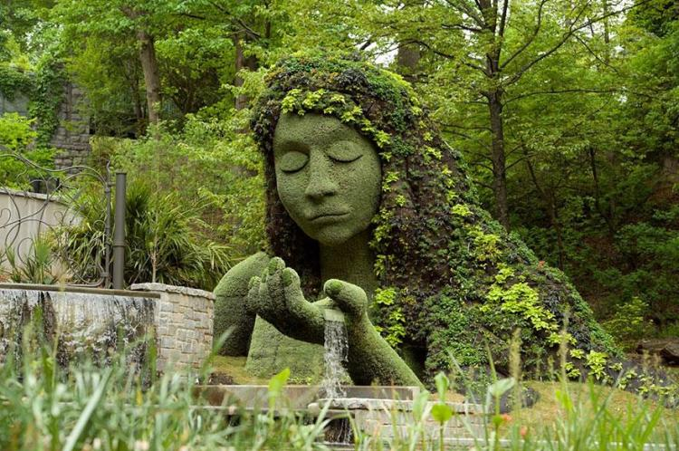 18 pretty lady garden sculptures