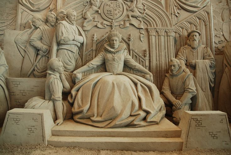 24 queen elizabeth sand sculptures