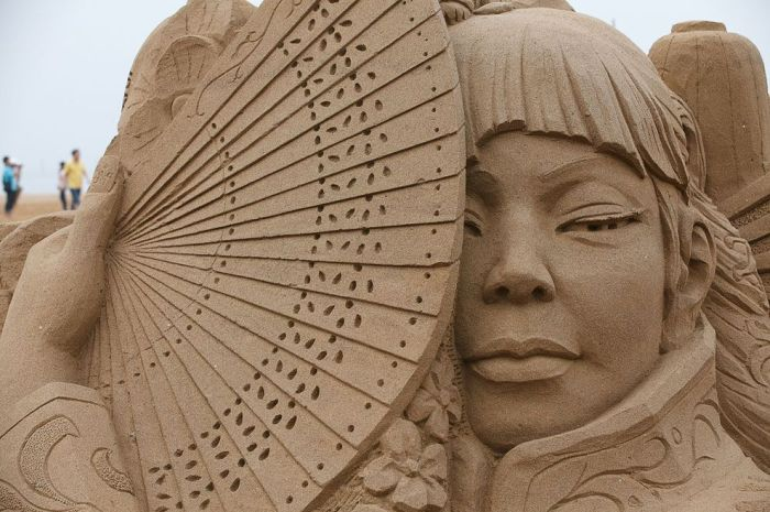 6 chinese sand sculptures
